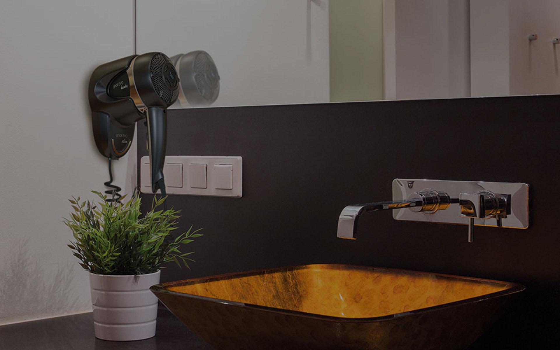 Accessori e arredi bagno hotel roma camere linea for B b arredi